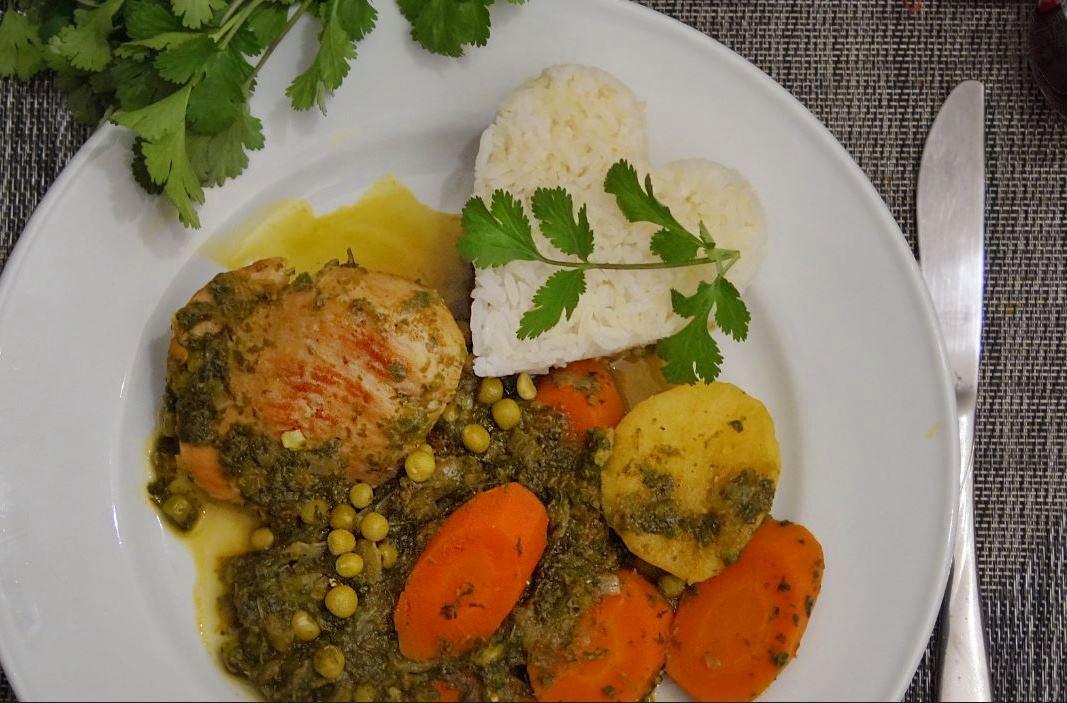 seco-de-pollo-comida-peruana